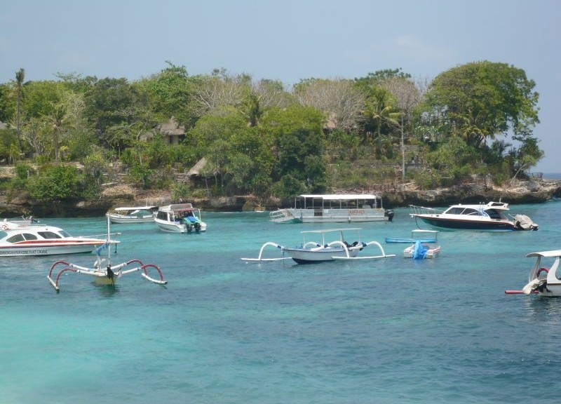 beach-at-lembongan-island.JPG