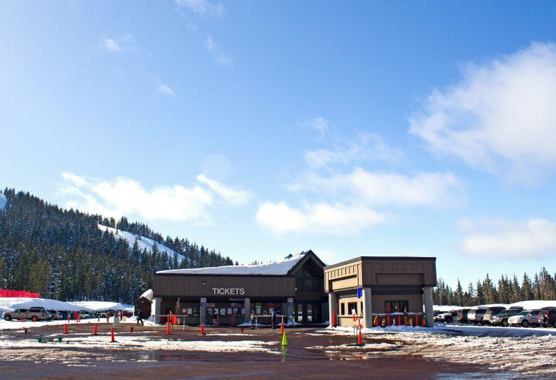 sports-ski-ticket-house-1113tm-pic-1110.jpg